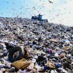 ゴミを捨てるのは人の為!?/ インドネシアで見た楽園は夢の島なのか