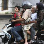 インドネシアのバイクは世界最大級!/何故道がバイクで埋まるの?