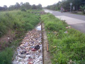 ジャカルタの汚水