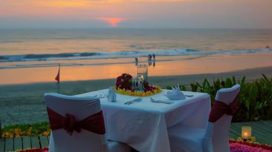 バリ島のスミニャックで超ロマンティックなレストラン10選
