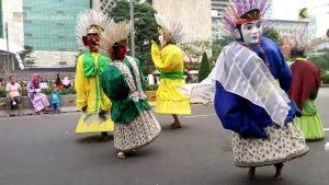 インドネシアでよく見かける巨人着ぐるみの正体・意味