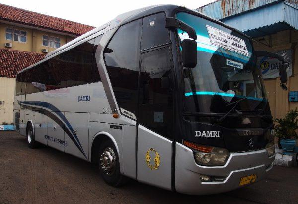 ジャカルタ空港からの市内移動手段/格安バスの乗り場、乗り方