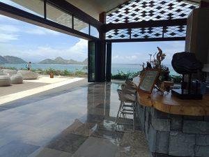 コモド島 ナイトクラブ、Bar、サンセットが綺麗
